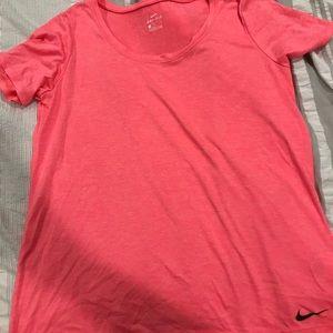 Nike lose workout top